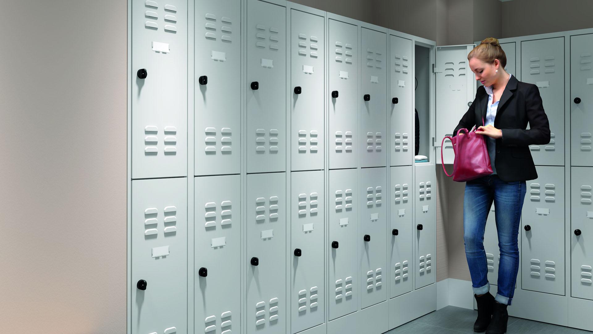 Garderobenschrank halbe Fächer